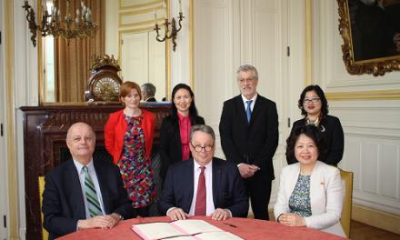 Partenariat renouvelé avec l'Université de Médecine Traditionnelle Chinoise de Shanghai (SHUTCM)